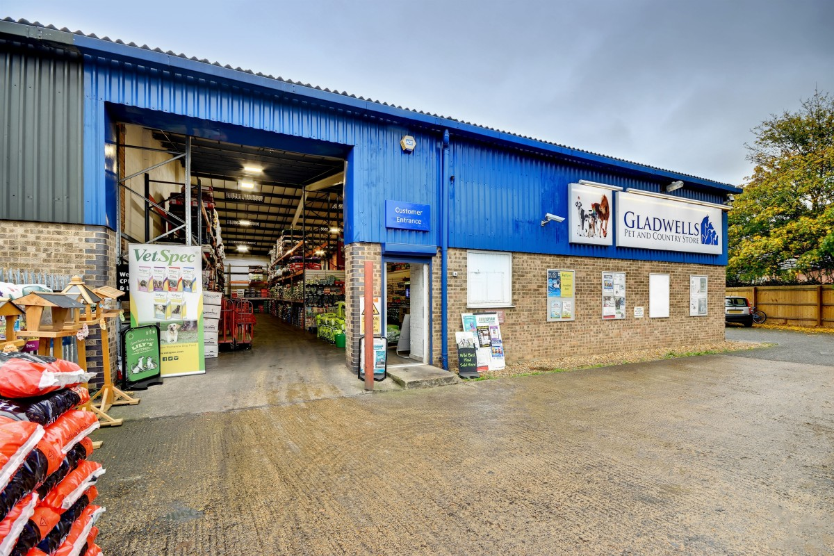 Gladwells Pet Country Store Peterborough Pet Food Supplies